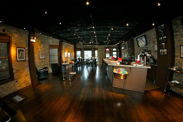 3639 Wrigley Bar